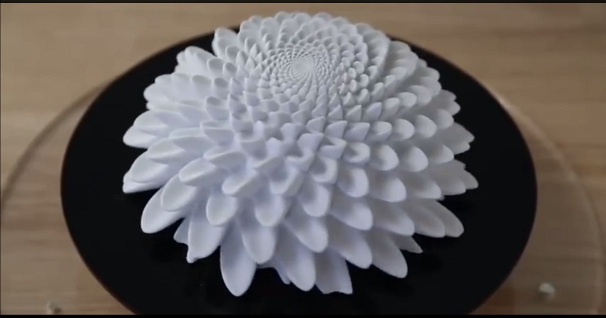 3d printed sculptures strobe animated blooms