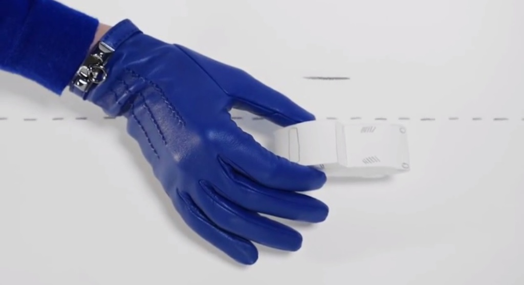 hermes womens gloves ss 2015 blue