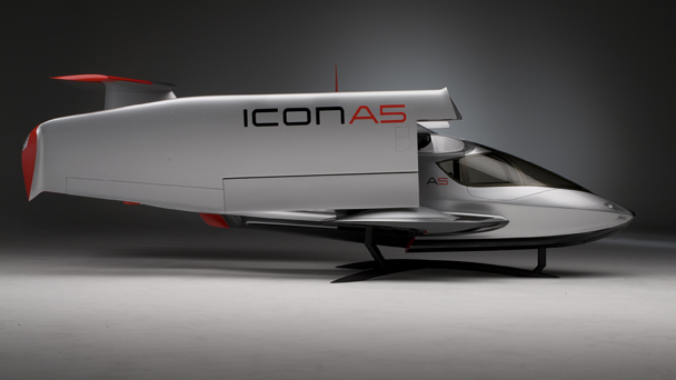 icon a5 sport flying exterior2