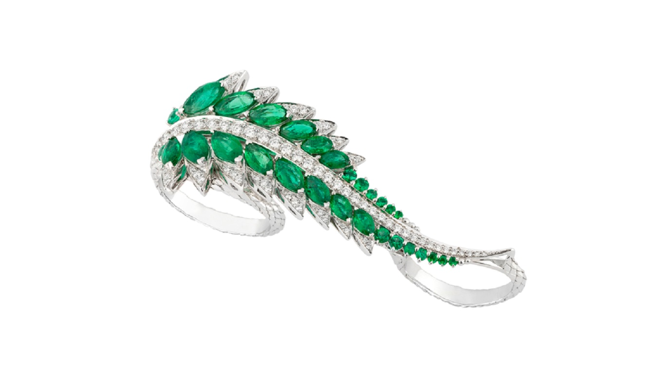 stephen webster plumage 3 finger ring feature