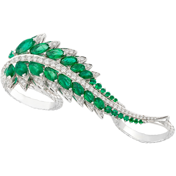 stephen webster plumage 3 finger ring