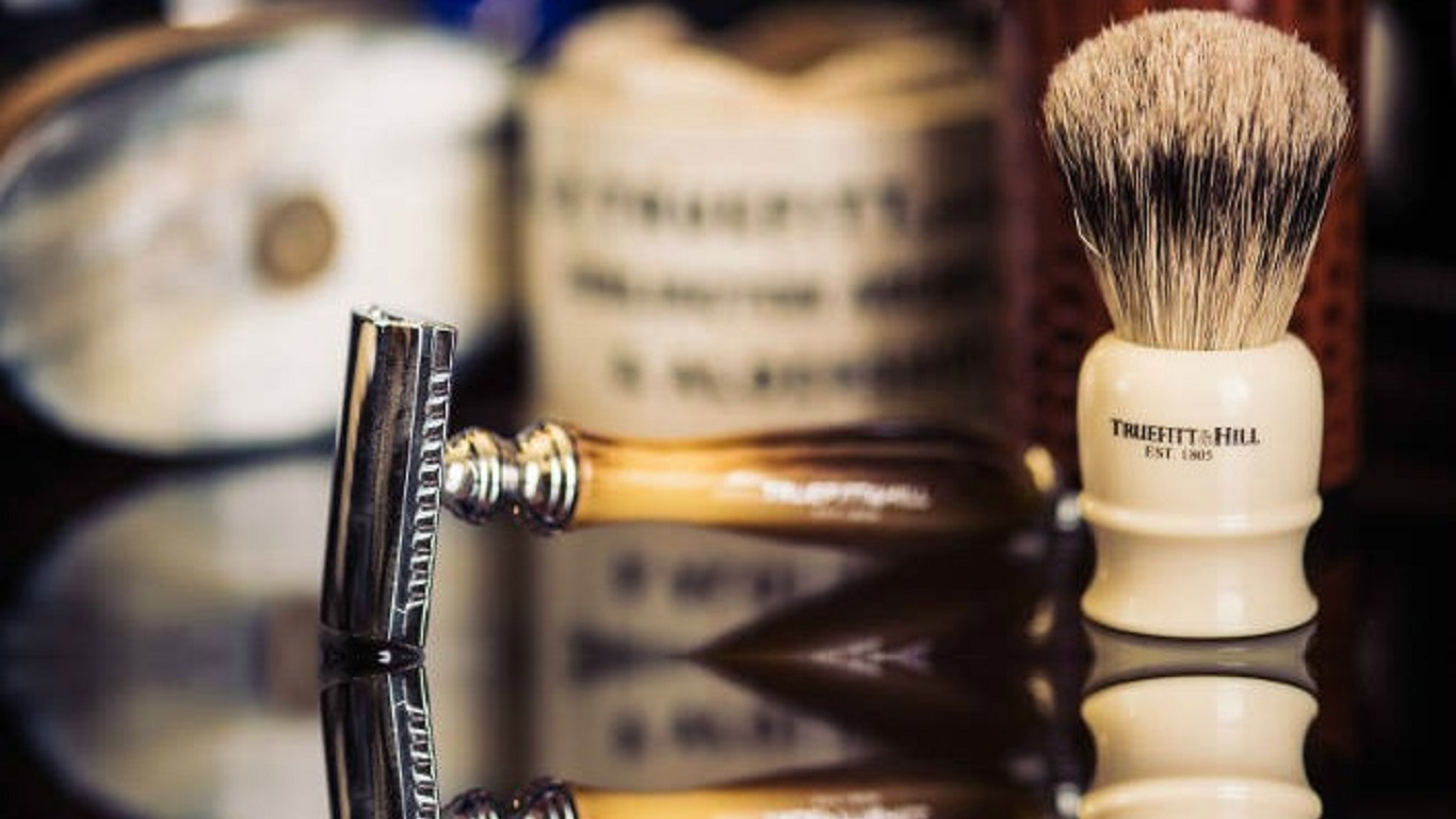 tube traveller shaving brush truefitt