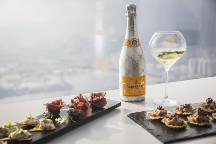 veuve clicquot sunset lounge