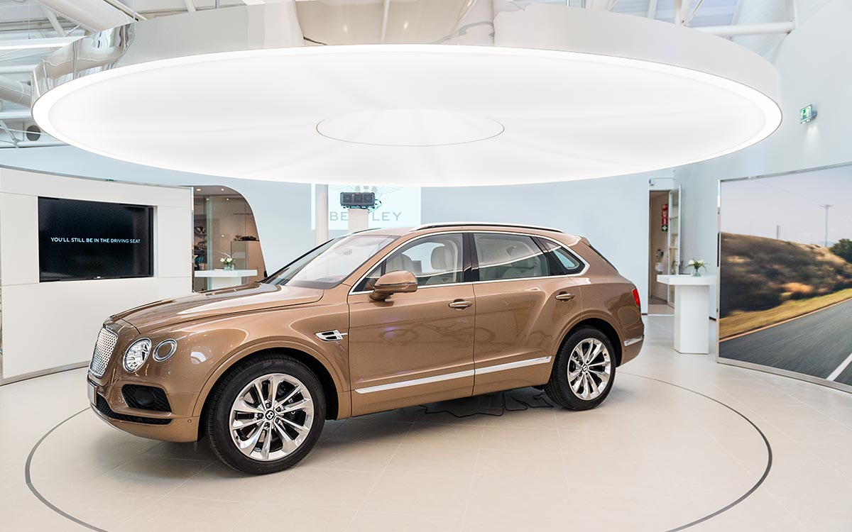 Bentley-unveils-its-new-netherlands-showroom
